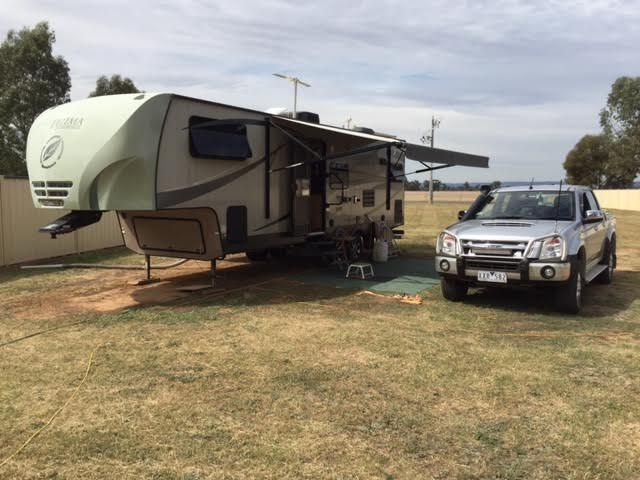 2010 Ultima R27 5th Wheeler Caravan & Isuzu Dmax Ute for sale Vic