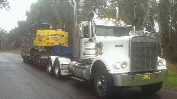 Kenworth W Truck - Freighter Tri-axle Float for sale NSW