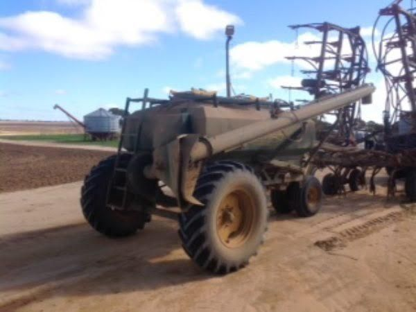 Simplicity Tow Behind Seeding Cart Farm Machinery for sale WA